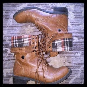 Shoes - Great condition foldover boots!